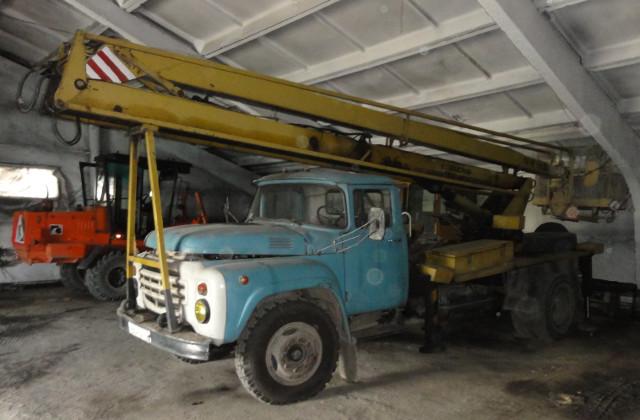 Lastbil i garage