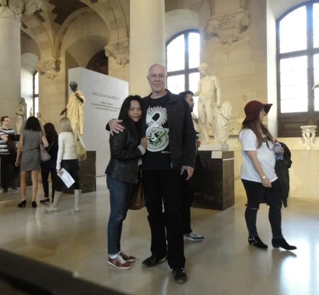 Inne i Louvren