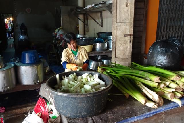 12 - Grönsaker från floden