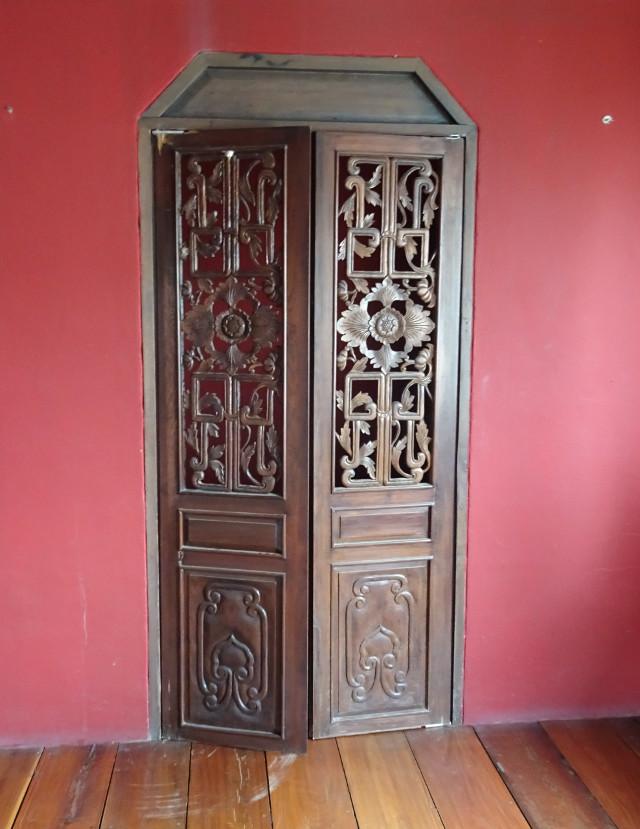 34-dorr-i-kinesiskt-palats