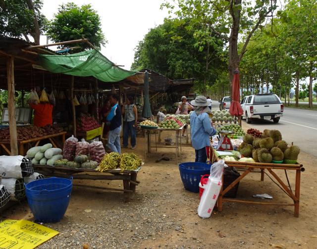 8-en-av-dessa-fruktstand-som-kantar-vagarna-i-landet